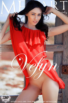 Met Art Vefyn erotic images gallery with MetArt model Zsanett Tormay