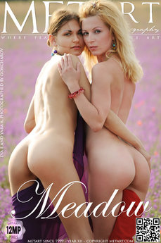 erotic photography gallery Meadow with Eva E & Yara A
